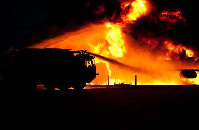 hasičské auto pri požiari